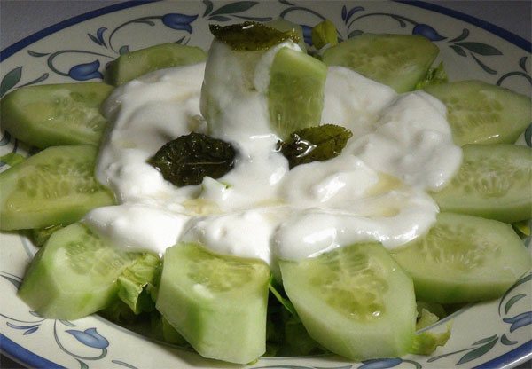pepinos-yogurt